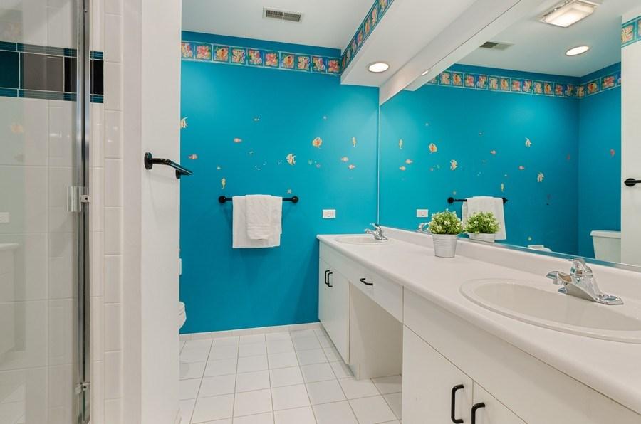Real Estate Photography - 2026 Sheridan Ct, Buffalo Grove, IL, 60089 - 2nd Bathroom