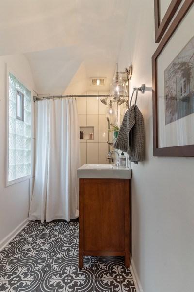 Real Estate Photography - 3044 Harrison St, Evanston, IL, 60201 - Master Bathroom