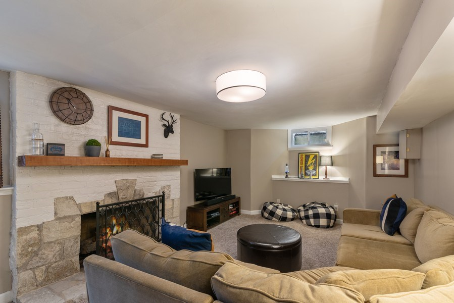 Real Estate Photography - 3044 Harrison St, Evanston, IL, 60201 - Family Room