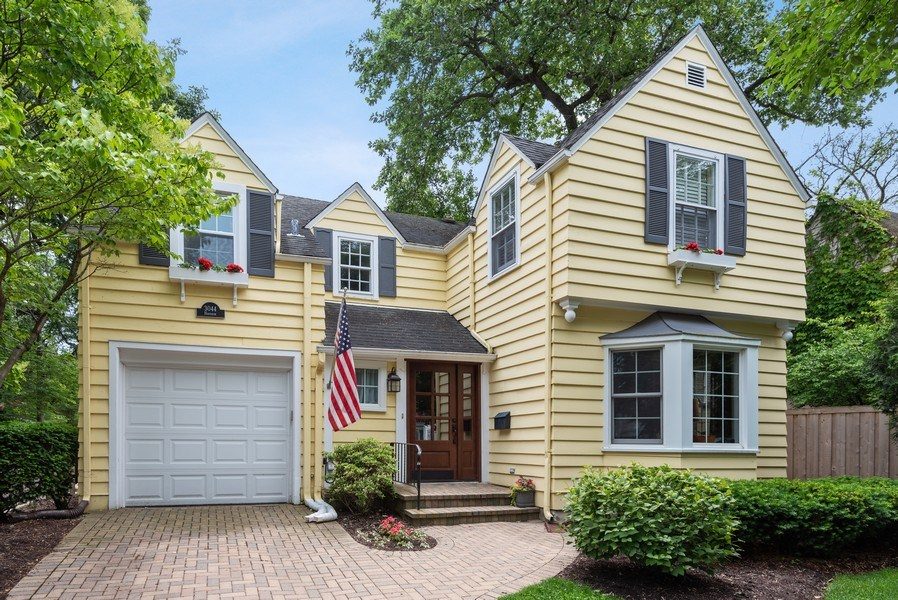 Real Estate Photography - 3044 Harrison St, Evanston, IL, 60201 - Front View