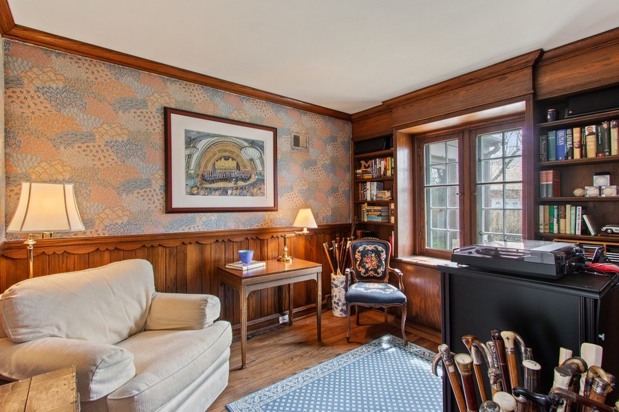 Real Estate Photography - 221 Glenwood, Lake Forest, IL, 60045 - Library