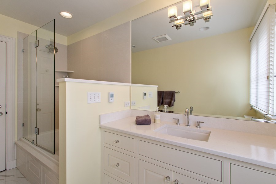 Real Estate Photography - 221 Glenwood, Lake Forest, IL, 60045 - 2nd Bathroom
