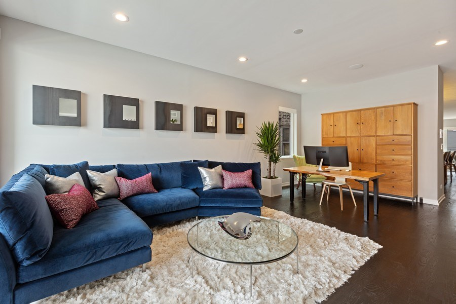 Real Estate Photography - 842 N Campbell Ave, Unit 1S, Chicago, IL, 60622 - Living Room/Dining Area