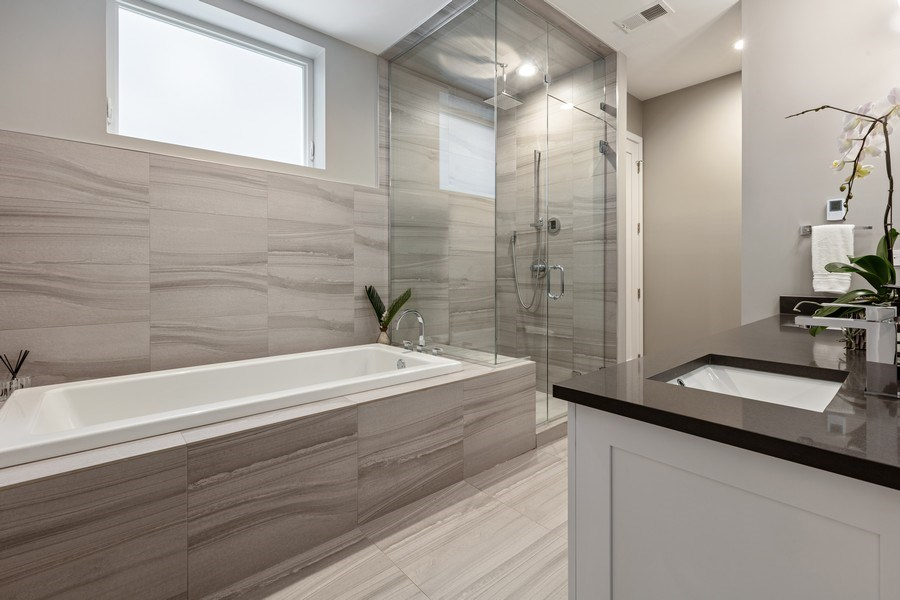 Real Estate Photography - 842 N Campbell Ave, Unit 1S, Chicago, IL, 60622 - Master Bathroom