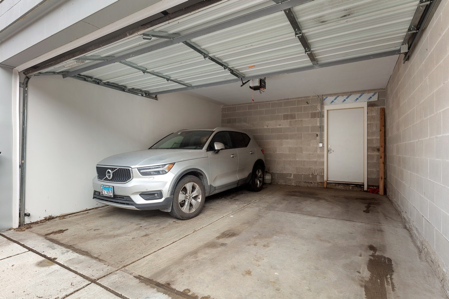 Real Estate Photography - 842 N Campbell Ave, Unit 1S, Chicago, IL, 60622 - Garage
