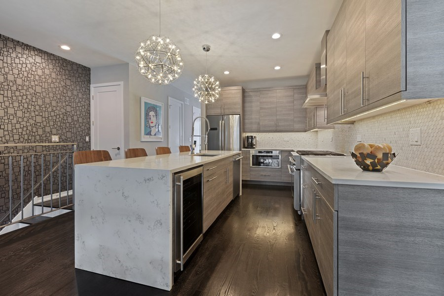 Real Estate Photography - 842 N Campbell Ave, Unit 1S, Chicago, IL, 60622 - Kitchen