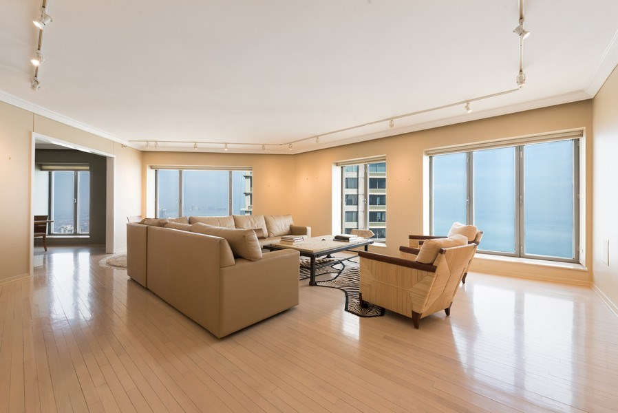 Real Estate Photography - 950 N Michigan Ave, Unit 4203, Chicago, IL, 60611 - Living Room