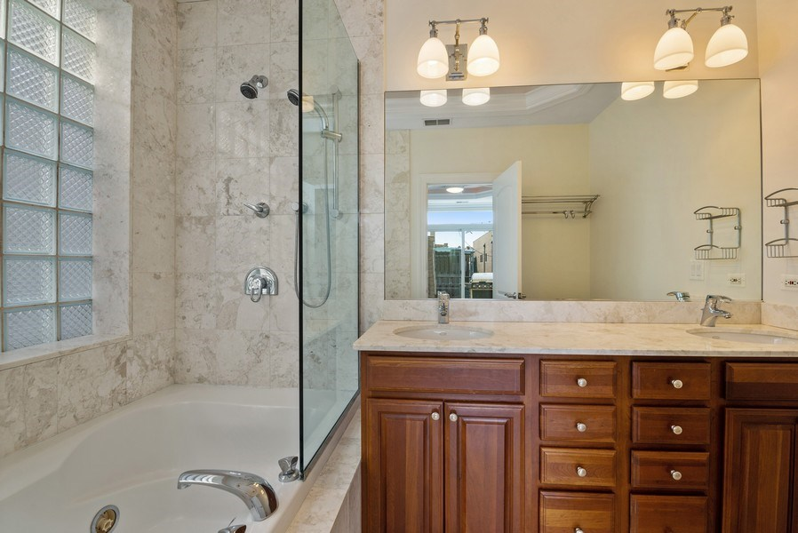 Real Estate Photography - 3333 N Seminary, Unit 3, Chicago, IL, 60657 - Master Bathroom