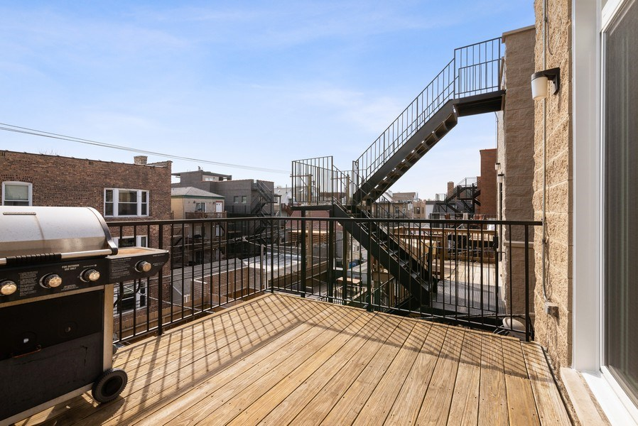 Real Estate Photography - 3333 N Seminary, Unit 3, Chicago, IL, 60657 - Deck