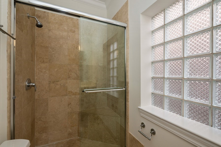 Real Estate Photography - 3333 N Seminary, Unit 3, Chicago, IL, 60657 - 2nd Bathroom