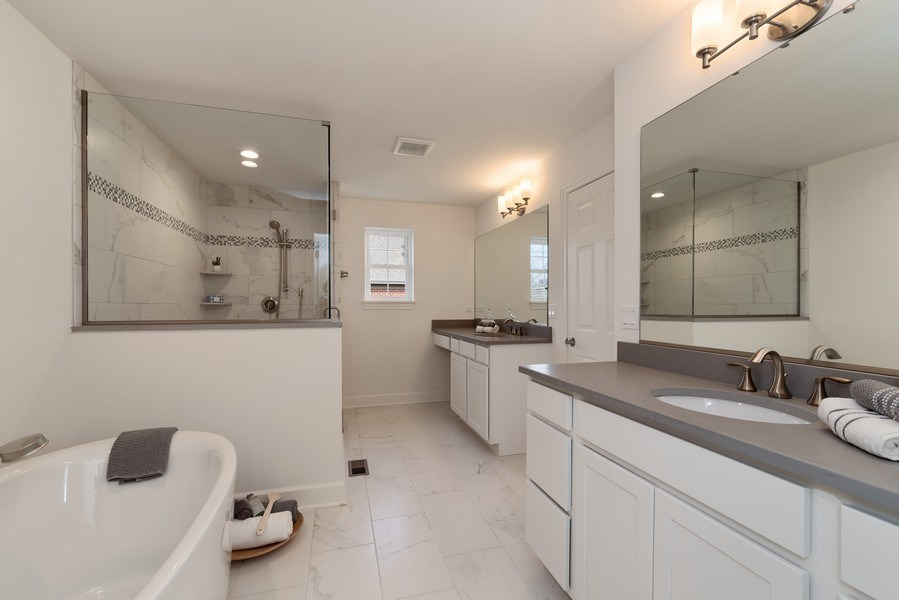 Real Estate Photography - 4135 N Hampton, Glenview, IL, 60025 - Master Bathroom