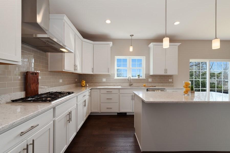 Real Estate Photography - 4135 N Hampton, Glenview, IL, 60025 - Kitchen