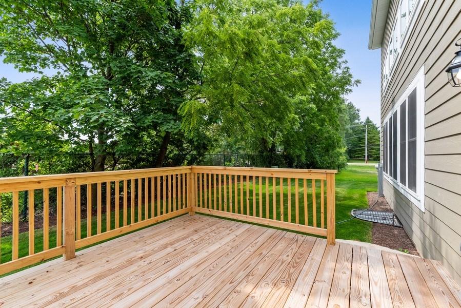 Real Estate Photography - 4135 N Hampton, Glenview, IL, 60025 - Deck