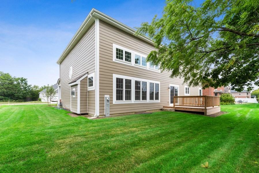 Real Estate Photography - 4135 N Hampton, Glenview, IL, 60025 - Back Yard