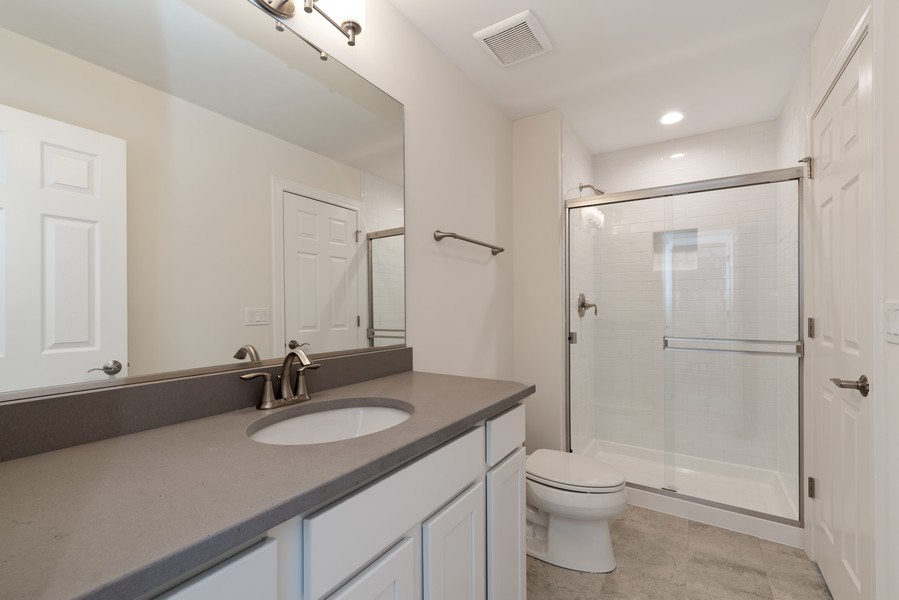 Real Estate Photography - 4135 N Hampton, Glenview, IL, 60025 - Jack and Jill Bathroom