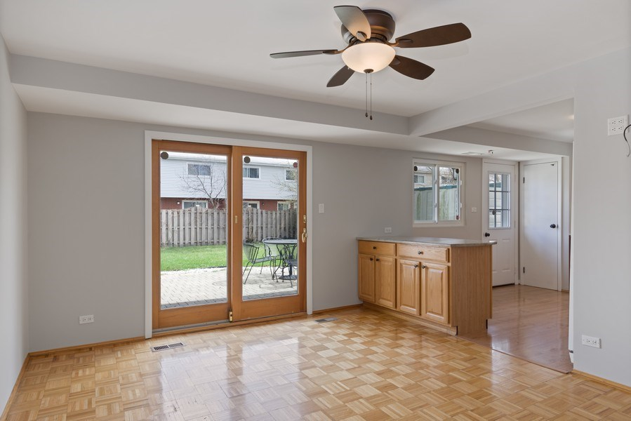 Real Estate Photography - 1727 N Windsor Drive, Arlington Heights, IL, 60004 - Family Room / Kitchen