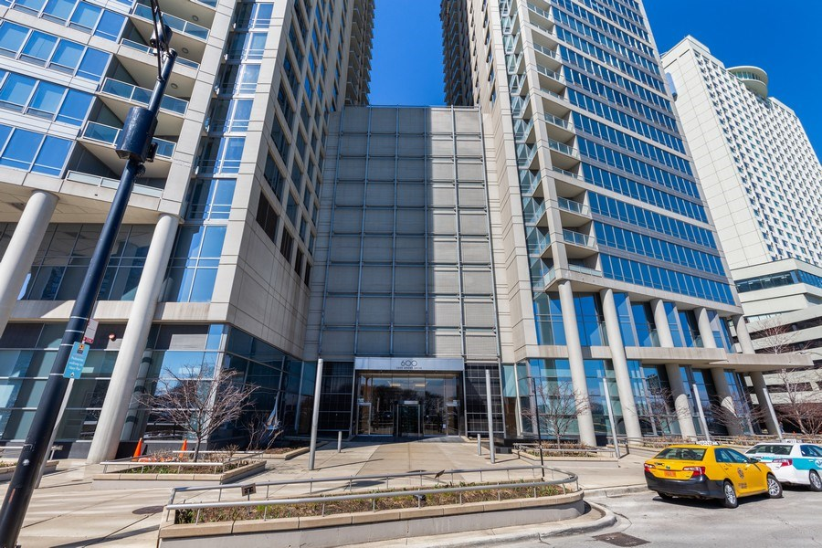 Real Estate Photography - 600 N Lake Shore, Unit 3304, Chicago, IL, 60611 - Front View
