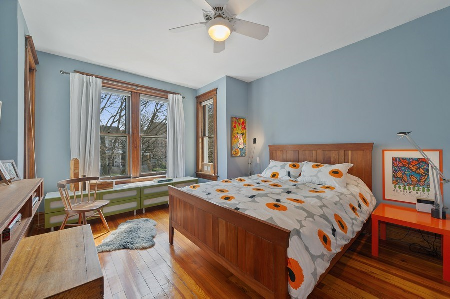 Real Estate Photography - 4020 N Hermitage Ave, Chicago, IL, 60613 - Master Bedroom