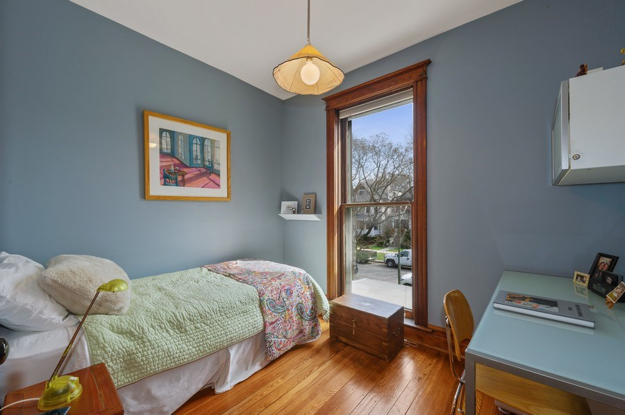 Real Estate Photography - 4020 N Hermitage Ave, Chicago, IL, 60613 - 5th Bedroom