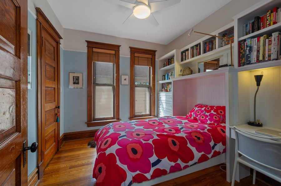 Real Estate Photography - 4020 N Hermitage Ave, Chicago, IL, 60613 - 2nd Bedroom