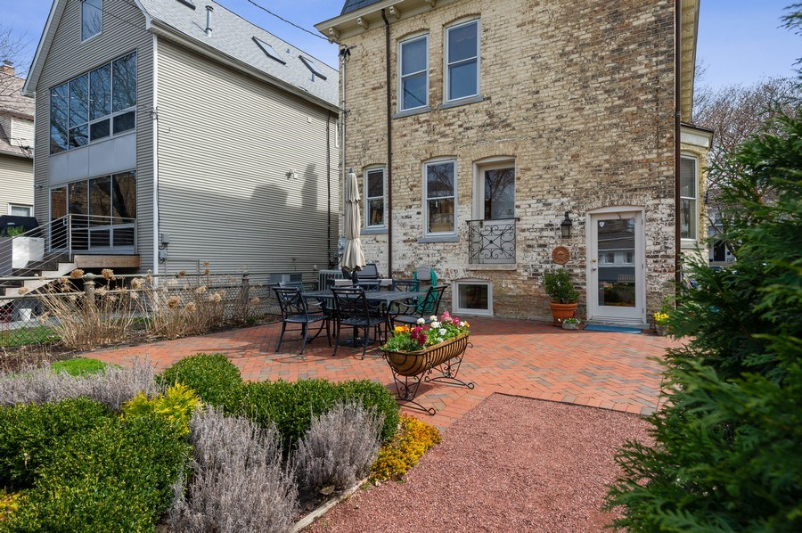 Real Estate Photography - 4020 N Hermitage Ave, Chicago, IL, 60613 - Patio / Rear View