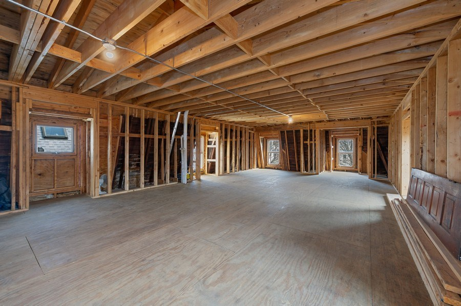 Real Estate Photography - 4020 N Hermitage Ave, Chicago, IL, 60613 - 3rd Level