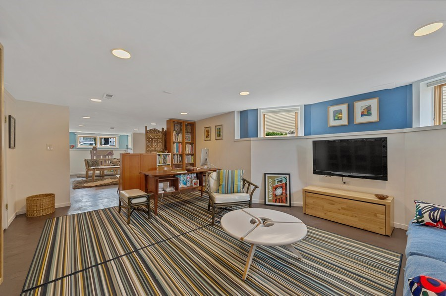 Real Estate Photography - 4020 N Hermitage Ave, Chicago, IL, 60613 - Basement/Recreational Room