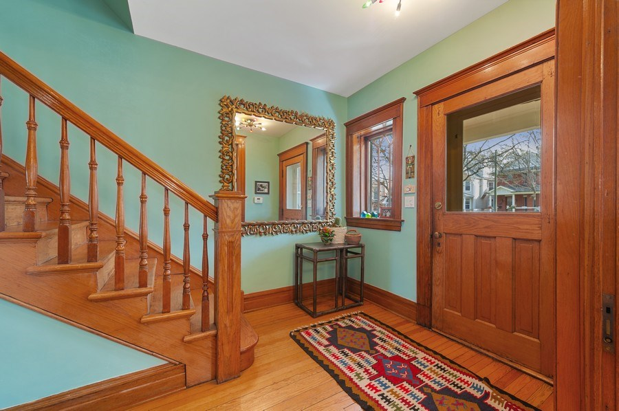 Real Estate Photography - 4020 N Hermitage Ave, Chicago, IL, 60613 - Entry Foyer
