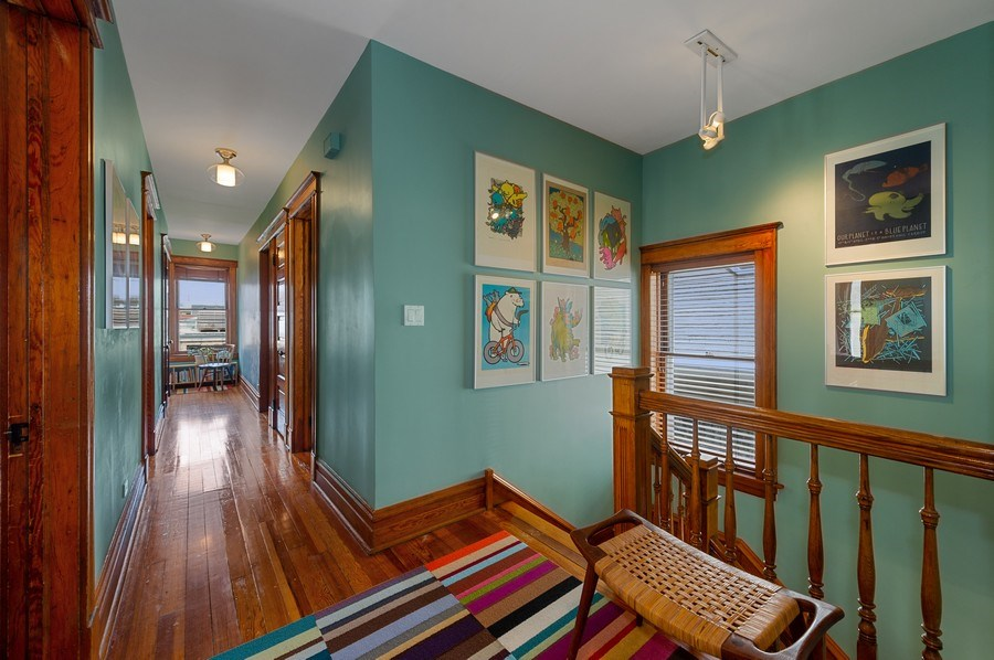 Real Estate Photography - 4020 N Hermitage Ave, Chicago, IL, 60613 - 2nd Floor Landing