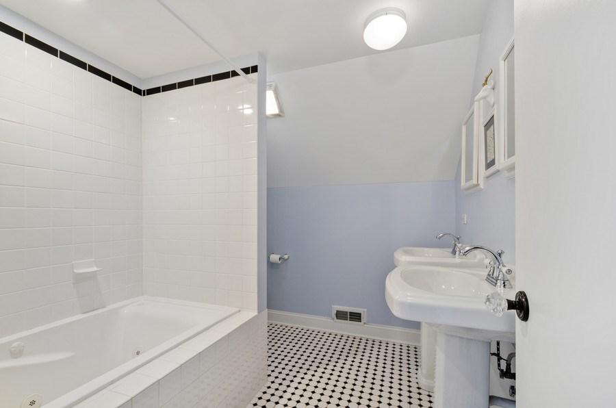 Real Estate Photography - 7555 W Isham, Chicago, IL, 60631 - Master Bathroom