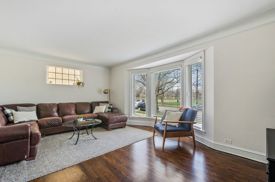Real Estate Photography - 7555 W Isham, Chicago, IL, 60631 - Living Room