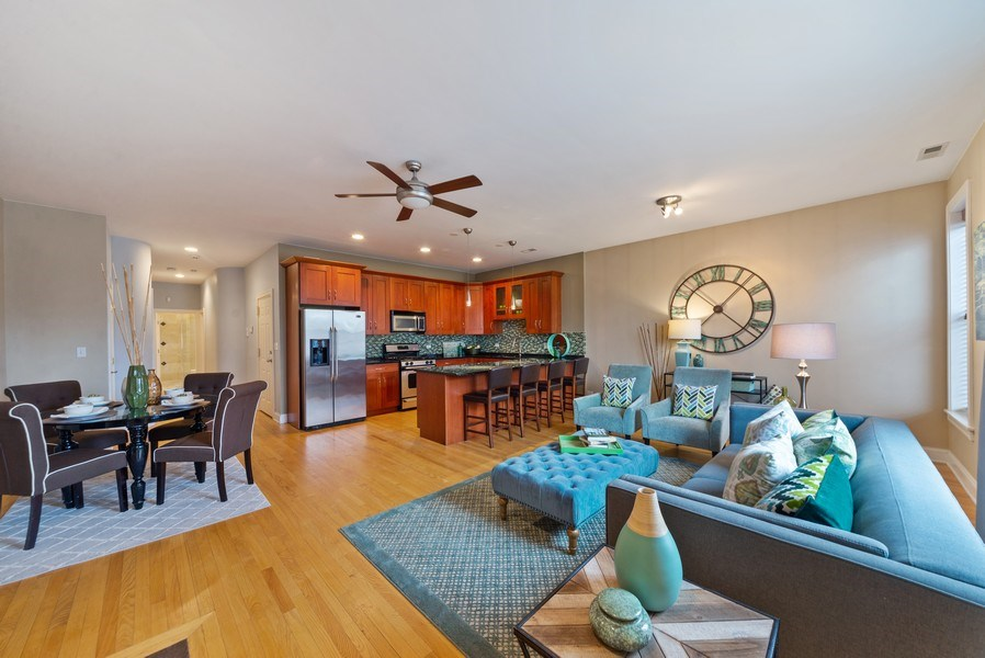 Real Estate Photography - 2115 W. Chicago, 3, Chicago, IL, 60622 - Living Room