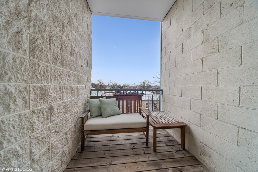 Real Estate Photography - 2115 W. Chicago, 3, Chicago, IL, 60622 -