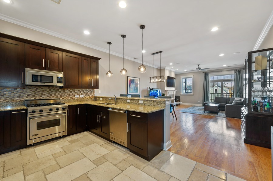 Real Estate Photography - 3203 N. Oakley, #301, Chicago, IL, 60618 - Kitchen
