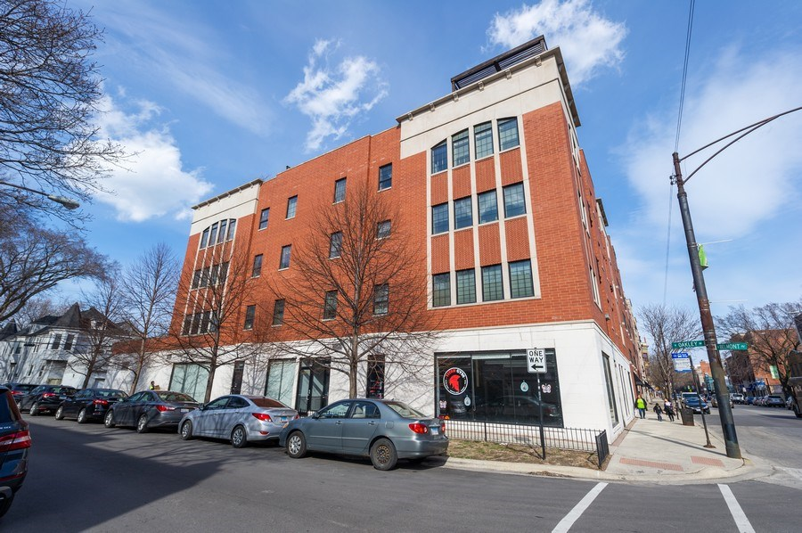 Real Estate Photography - 3203 N. Oakley, #301, Chicago, IL, 60618 - Main Exterior