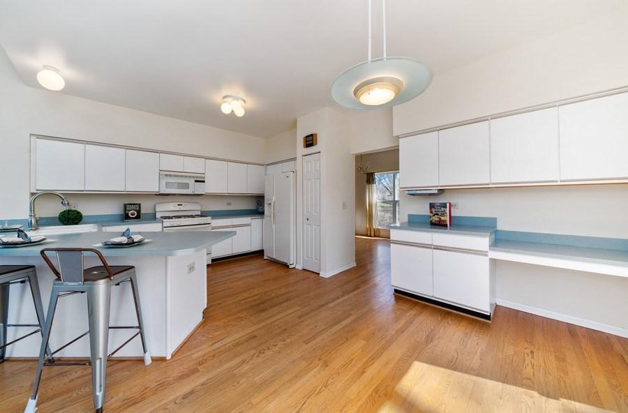 Real Estate Photography - 1171 Alder, Bartlett, IL, 60103 - Kitchen / Breakfast Room