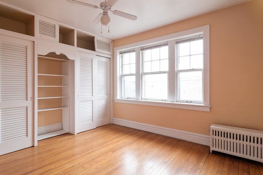 Real Estate Photography - 150 N. Austin #2C, Oak Park, IL, 60302 - Master Bedroom