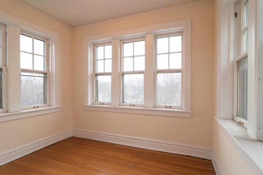 Real Estate Photography - 150 N. Austin #2C, Oak Park, IL, 60302 - Sun Room