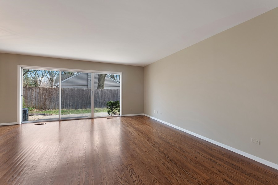 Real Estate Photography - 1965 Tanglewood Dr, Unit A, Glenview, IL, 60026 - Living Room