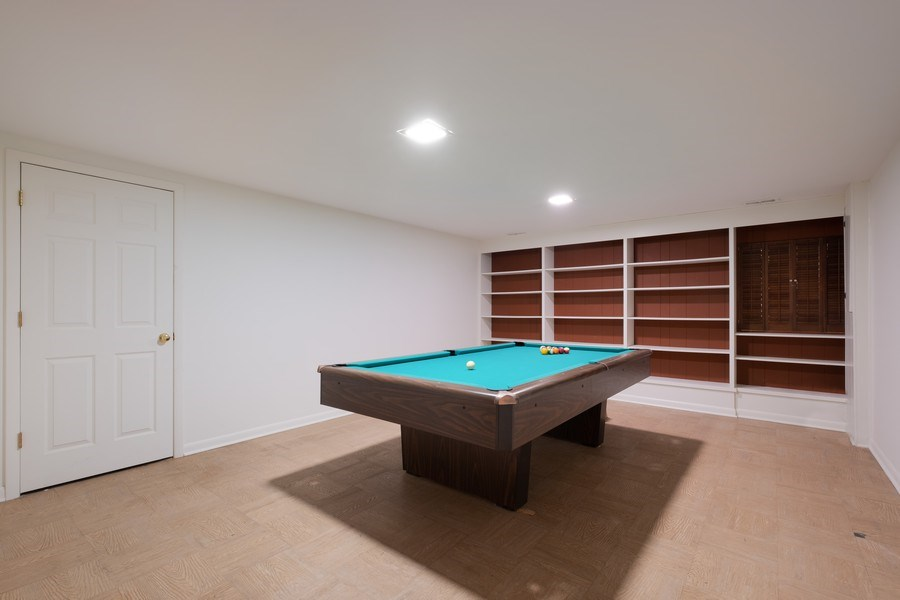 Real Estate Photography - 1965 Tanglewood Dr, Unit A, Glenview, IL, 60026 - Recreational Room