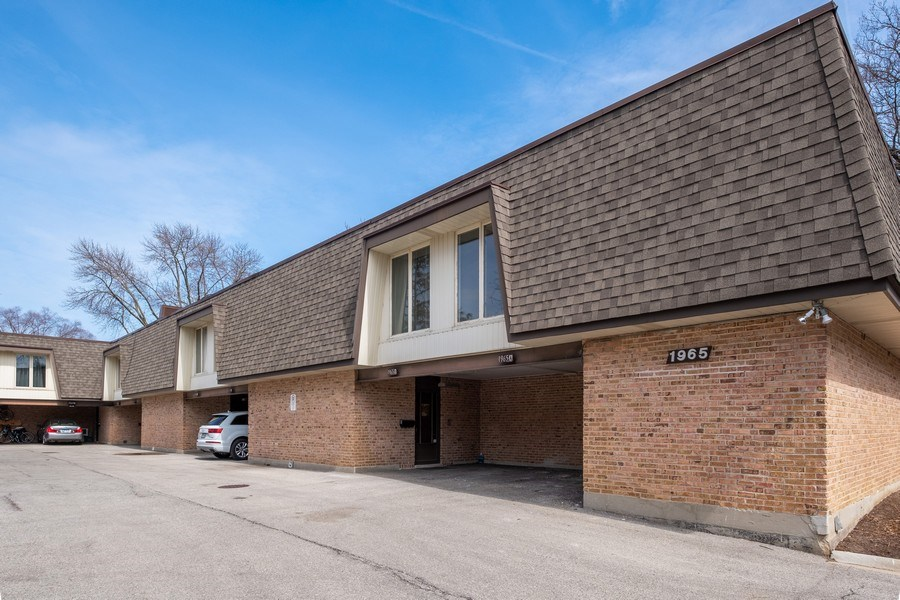 Real Estate Photography - 1965 Tanglewood Dr, Unit A, Glenview, IL, 60026 - Front View