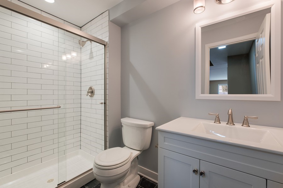 Real Estate Photography - 1965 Tanglewood Dr, Unit A, Glenview, IL, 60026 - 3rd Bathroom