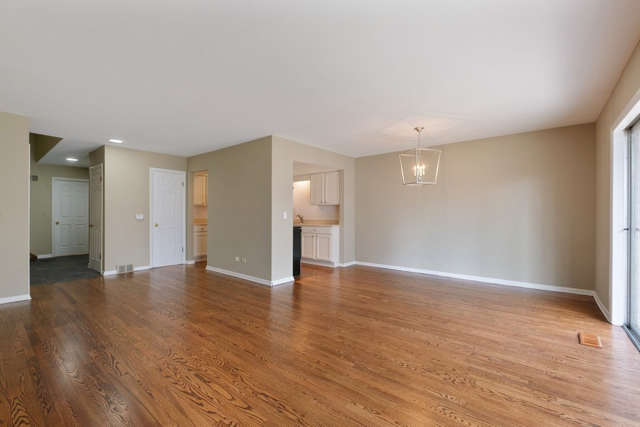 Real Estate Photography - 1965 Tanglewood Dr, Unit A, Glenview, IL, 60026 - Living Room / Dining Room