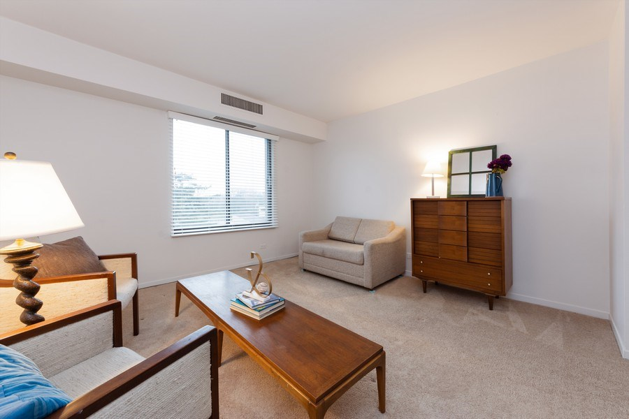 Real Estate Photography - 1515 E Central rd #465B, Arlington Heights, IL, 60005 - 2nd Bedroom