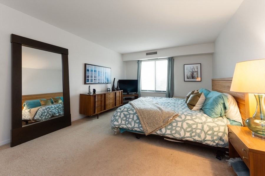 Real Estate Photography - 1515 E Central rd #465B, Arlington Heights, IL, 60005 - Master Bedroom
