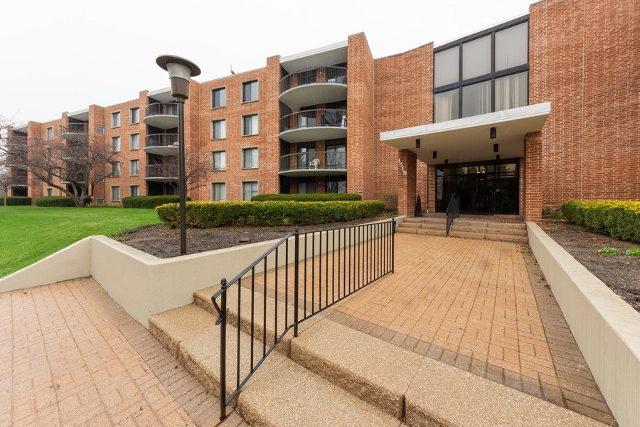 Real Estate Photography - 1515 E Central rd #465B, Arlington Heights, IL, 60005 - Front View