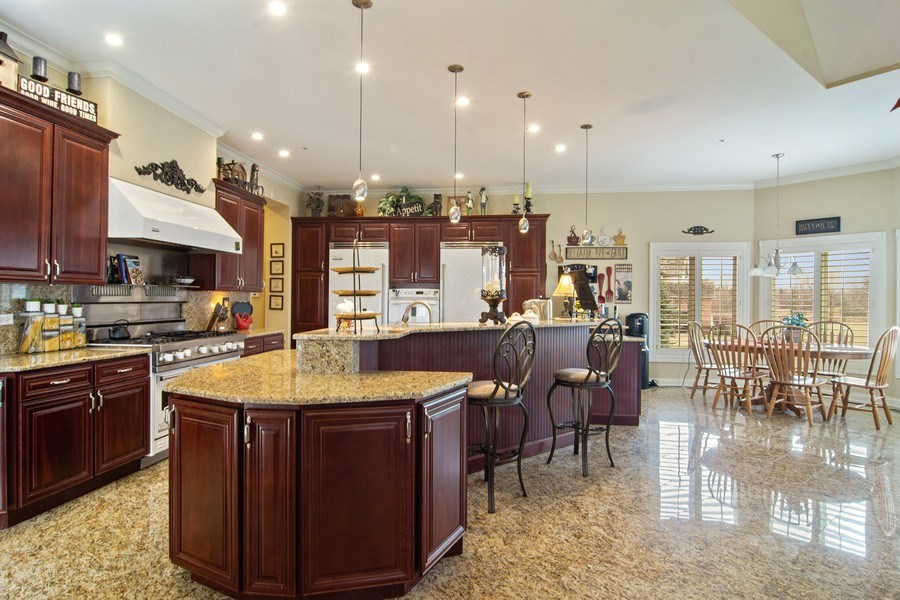 Real Estate Photography - 4575 Pamela court, Long Grove, IL, 60047 - Kitchen / Breakfast Room