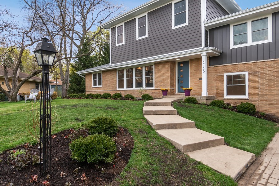 Real Estate Photography - 2430 Sumac Circle, Glenview, IL, 60025 - Front View