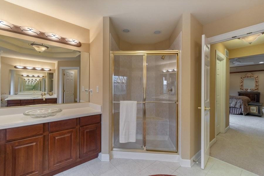 Real Estate Photography - 0S347 Grengs Lane, Geneva, IL, 60134 - Master Bathroom