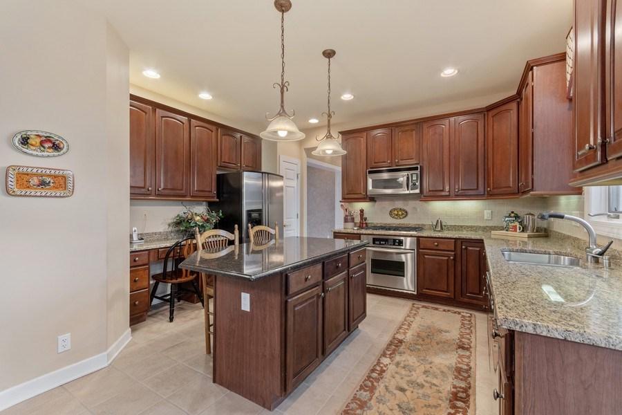 Real Estate Photography - 0S347 Grengs Lane, Geneva, IL, 60134 - Kitchen